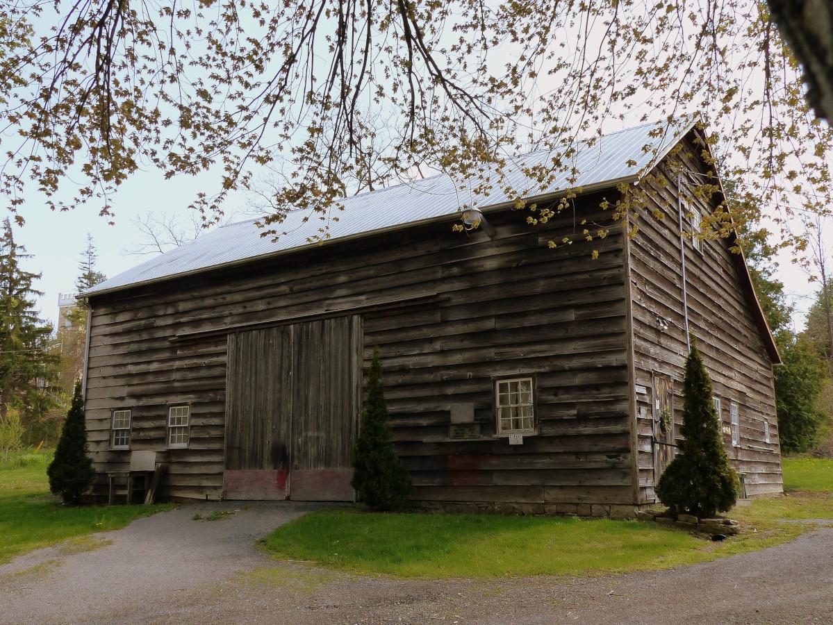 12 swing beam barn